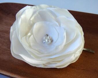 Large Ivory Bridal Flower Hair Clip, Wedding Flower Hair Accessory, White Flower Hair clip, Bridal Accessories, Wedding Hair Clip, MARISSA