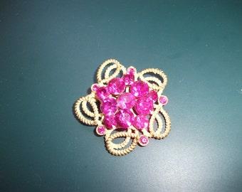 Vintage Weiss Fuchsia Pink Glass Rhinestone Brooch Pin