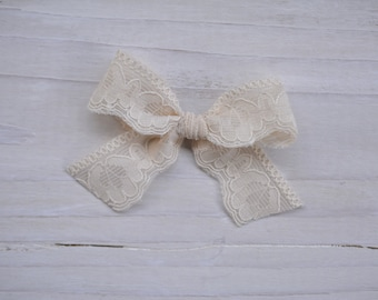 Vintage ivory lace bow