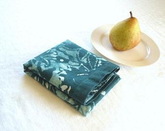 linen tea towel. deep jade green trellis