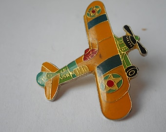 FREE SHIPPING stunning vintage plane design metal and enamel hand painted lapel pin / brooch / badge