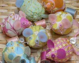 Mice Pincushion PDF Pattern - ribbon Mouse fabric wool pin keep doll decor primitive