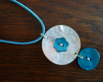 Pearly off white and turquoise necklace