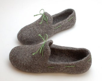 Men felt slipper loafers gray with green laces - handmade natural organic wool house shoes