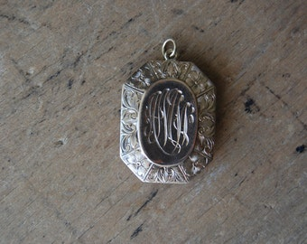 antique Freemasons locket / ROYAL ARCH