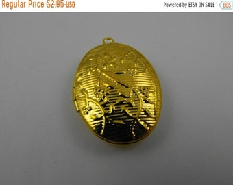 Mothers Day Sale Gold Finish Filigree and Floral Detailed Oval Locket Pendant or Charm Great jewelry Supplies