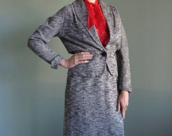 1940s Gray & Black Tailored Vintage Skirt Suit