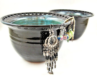 Pottery Earring holder, Large Earring bowl, Jewelry Bowl, organizer - In stock