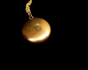 Engraved Basic Round Locket Necklace