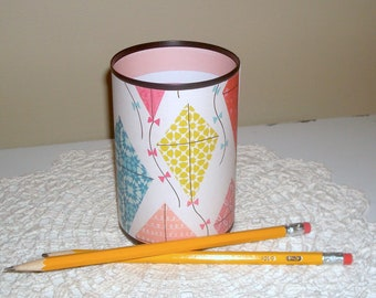 Kite Desk Accessories / Pastel  Kite Pencil Holder / Pencil Cup / Office Desk Organizer / Cute Dorm Decor / Gift for Teen, Woman  - 1136