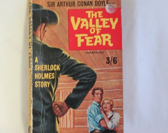Paperback book~ Vintage ~ Sir Arthur Conan Doyle ~ Sherlock Holmes ~ The Valley of Fear ~ 1960