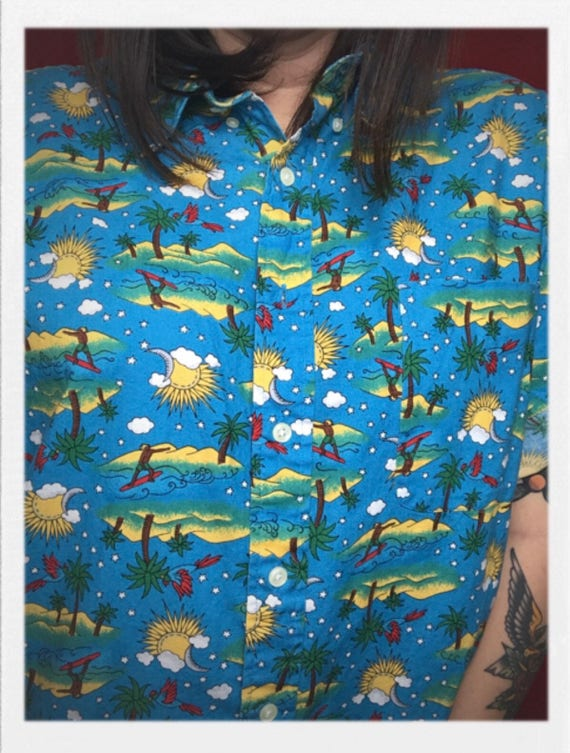 "Vintage Men's Surfing Hawaiian Shirt 23"" width 31"" length"