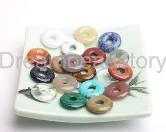 5 Pieces Natural Semi Precious Stone and Crystal Round 18mm 25mm 35mm 40mm Large Donut Pendant Beads (JDY305)