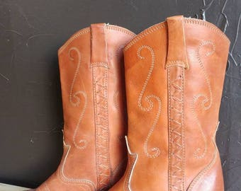 70s Vintage Brown Cowgirl Boots with Stacked High Heel Cognac Camel Western Wear Boho Women's Size 7.