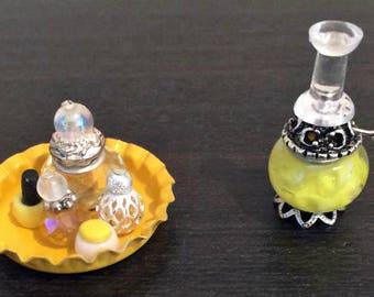 Yellow Vanity Tray and Lamp