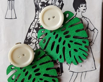 Retro Earrings. Retro Inspired Earrings. Drop Earrings. Green Earrings. 60's Earrings. Tiki Earrings. Wooden Earrings. Button Earrings. Stud