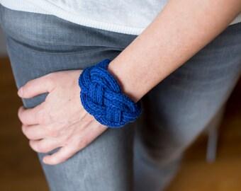 Blue node knit Cuff Bracelet double sailor