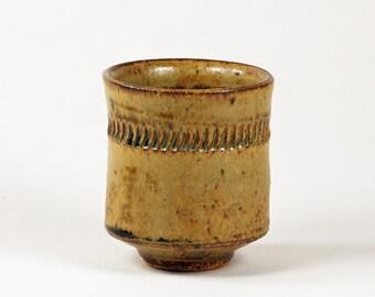 Ceramic cup (yunomi) with ash glaze
