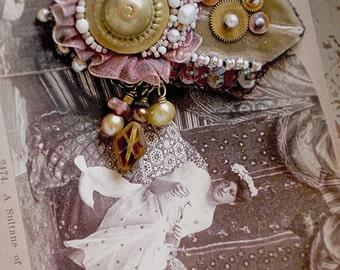 Sultana - Victorian Orientalist inspired brooch/fascinator