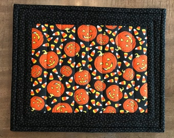 Quilted Mug rugs, Halloween Mug rug, mug mat, snack mat, coaster, trivet, Quiltsy handmade, Item #261