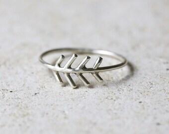Silver arrow ring, fir tree ring, Sterling silver fir tree jewelry, stackable ring, Boho arrow ring, chevron ring, nature ring, skinny ring