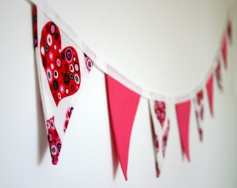 Mini Fabric Bunting - Pink Hearts and Fuchsia Bunting, Photo Prop, Party Decor, Valentines Day, Fabric Garland, Nursery Decor