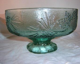 Vintage Tiara Glass Ponderosa Pine Fruit Bowl, Cabin Decor Bowl, Lodge Decor Bowl, Green Glass Bowl, Tiara Glass, Pine Cone Bowl, Pine Cone
