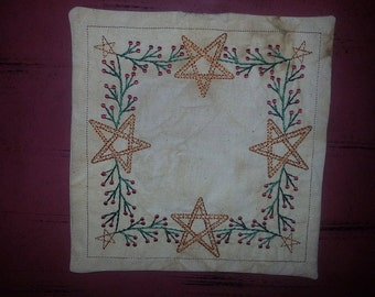Primitive Stars & Pips Square Candle Mat
