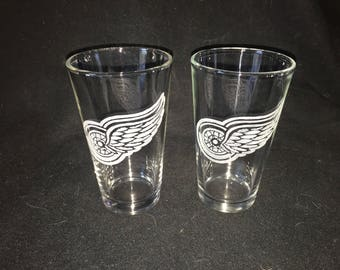 Detroit Red Wings Hand Etched Pint Glasses!