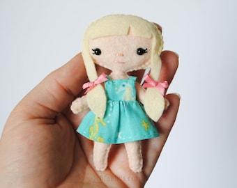 Felt Doll Pattern * Sassy Cutie Pie Pocket Doll with Pigtails * Printable PDF Doll Sewing Pattern. Handmade Pocket Dolls, DIY Gifts