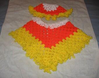Candy Corn Poncho und Mütze