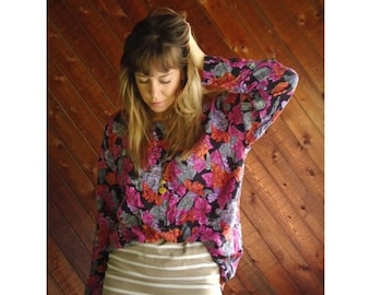EXTRA 20% OFF SALE.... Perfume Floral Grape Novelty Printed Ls Slouchy Graphic Blouse - Vintage 90s - Medium M