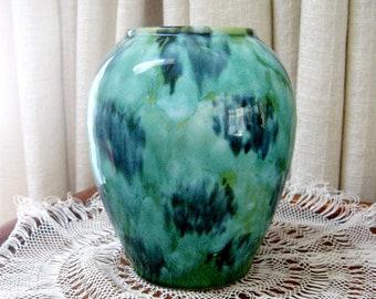 Vintage Vase Brush McCoy Pottery Green Onyx Drip Glaze No. 050 1920s