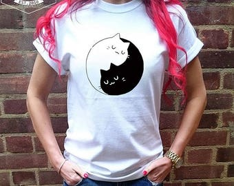 CAT YIN YANG T-shirt  / / Premium Quality ! - Made in London / Fast Delivery to the Usa , Canada , Australia & Europe !
