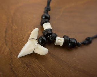 shark teeth pendant