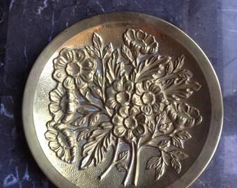 Brass ware flower wall plate