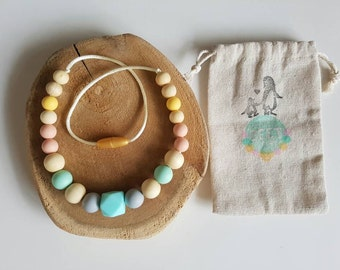 Kids jewelry. Toddler. Wood and silicone beads. Teething necklace. Stressrelease. Sensory development. Nursing necklace. Chewelry. Chewlery.