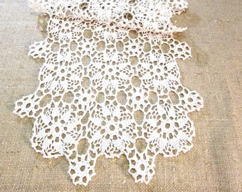 Vintage Table Runner Antique Table Linens Crochet Lace Ivory Off White Hand Crocheted Dresser Scarves Cottage Boho Decor Vintage Linens