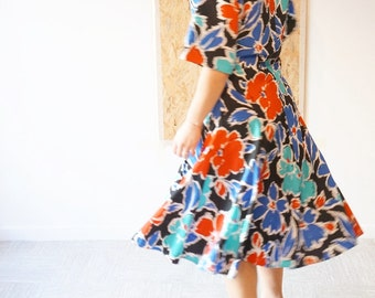 The Open Air / Vintage dress / Floral print / size 38 / Made In UK / St Michel / Spring / Flowers power