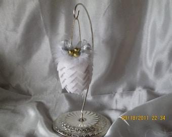 victorian style ribbon pinecone ornament
