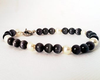 Black Cats Eye and Pearl Bracelet, Glass Pearl, Black Cats Eye, 6mm Bead Bracelet, Artisan, Handmade in the USA