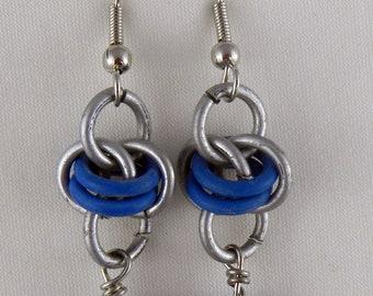 Umlaufbahn blau Chainmaile Ohrring