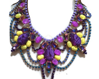 ROYALTY hand painted metallic tone rhinestone bib statement necklace