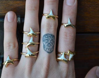 DAINTY SHARK TOOTH Ring /// Gold or Silver