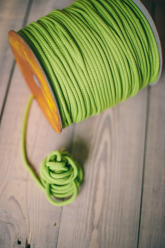 LIGHT GREEN crochet rope, makramee garn, macrame cord, macrame rope, DIY projects, craft supplies, craft yarn, rope, polyester cord. #39