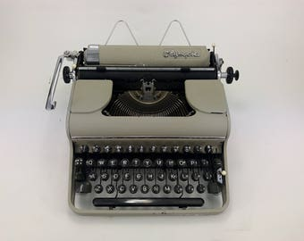 1950 Olympia SM 1 - Working Typewriter - Cleaned And Serviced