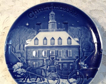 """Bing and Grondahl Christmas in America Series, 1986, """"Christmas Eve in Williamsburg"""", First Edition, Cobalt Blue Copenhagen  Porcelain"""