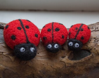 Ladybug fridge magnet SET of 3. Felted magnets. Wool magnets. Family of ladybugs.