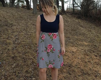 Dress short and wide - Navy Blue, Navy blue stripes and pink flowers