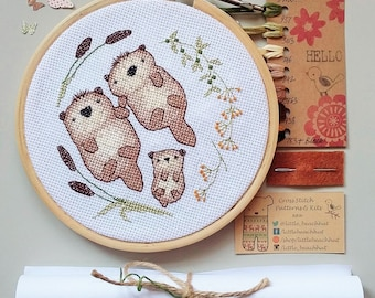 Otter family embroidery kit, cross stitch otter, family gift, easy embroidery kit, otter cross stitch, family needlepoint, DIY embroidery